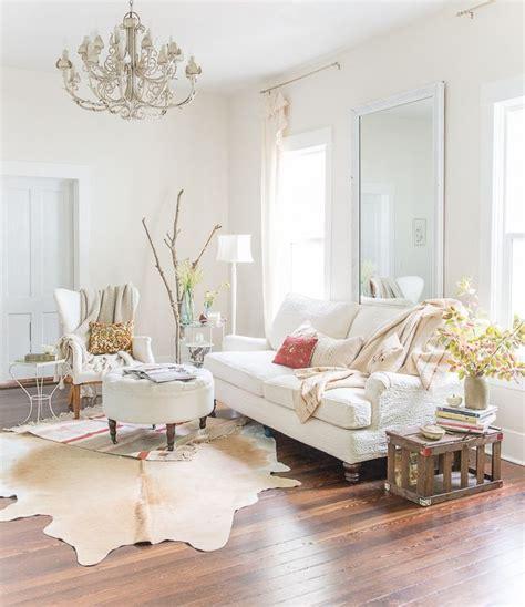 81 Admirable Minimalist Glam Living Room Interior Design