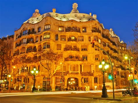 Casa Mila (La Pedrera), Barcelona, Spain - Map, Facts ...