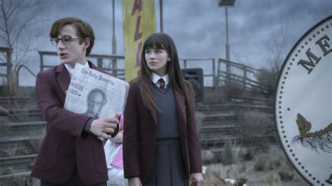 how old is presley smith series of unfortunate events a series of unfortunate events star louis hynes on what