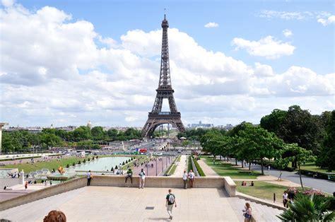 File:Eiffelturm, Paris, France.jpg - Wikimedia Commons