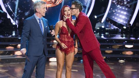 dancing   stars  flopped  soared