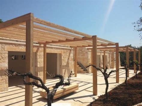 terrazza in legno terrazzo con pergolato in legno su misura
