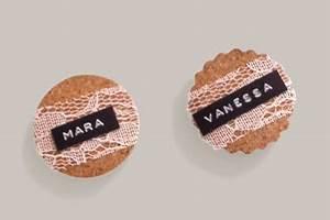 Namensschilder Selber Machen : magnet namensschilder zur hochzeit eine diy anleitung hochzeitsblog schweiz ~ Eleganceandgraceweddings.com Haus und Dekorationen