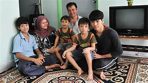 Resettlement of refugees goes on despite Malaysia Solution ...