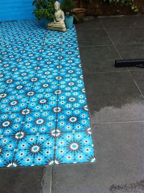 hoe krijg je cement tegels a spelde hoveniers keramische buitentegels leggen met