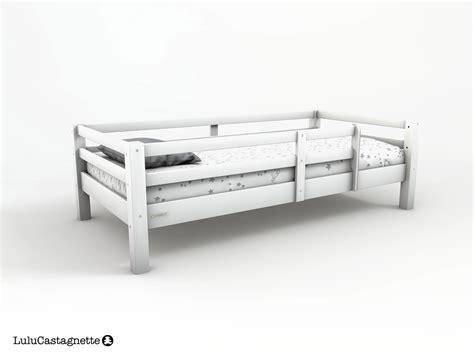 fauteuil pour chambre bébé lit avec barriere