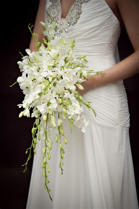 singapore orchid bouquet wedding flowers  accessories