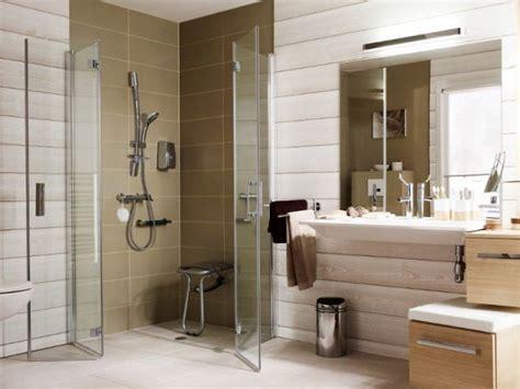 amenager une salle de bains pour une personne agee