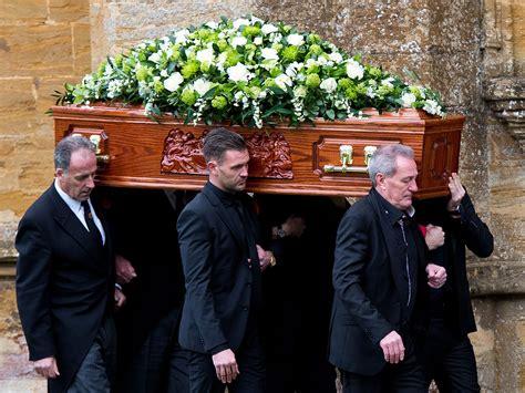 Lynda Bellingham funeral: Julian Fellowes, Coleen Nolan ...