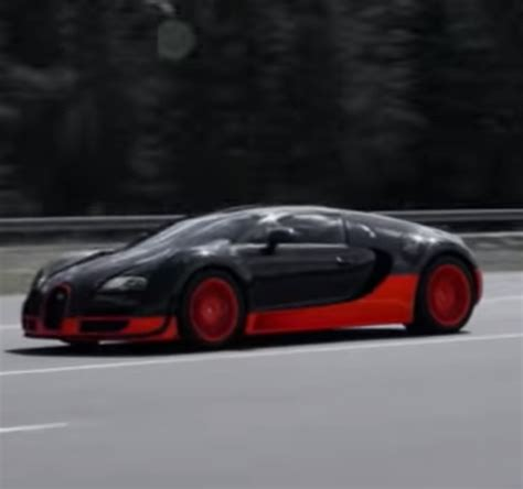 It if you have to ask the price, you can't afford one, but for the record the chiron costs 2.4 million euros. Bugatti Chiron vs Bugatti Veyron - Video | DPCcars