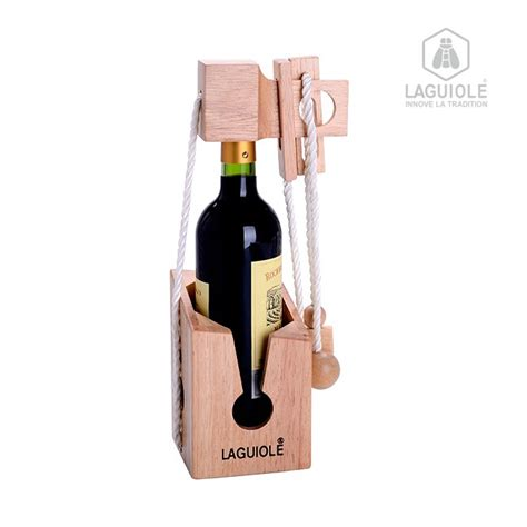batterie de cuisine laguiole casse tete laguiole en bois support bouteille autour du