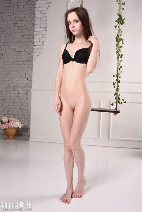 Teen Gallery Naked Girl Models Nude Teen Galleries