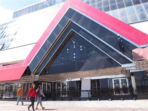 trump atlantic plaza casino shuttered demolition syracuse ap tourists past walk faces