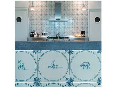 delft kitchen tiles 40 best delft tile kitchens images on tiles 3147
