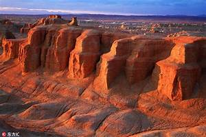 'Ghost Town' in Xinjiang desert boasts marvelous ...
