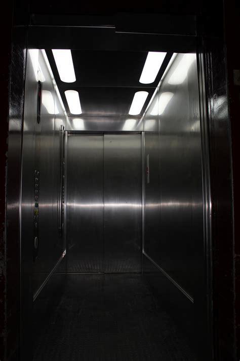bureau mobilier de lynium fr mobilier sur mesure lynium metz habillage renovation cabines ascenseurs