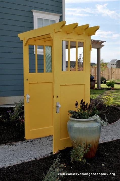 decorate garden  recycling  doors  creative ideas  desired home