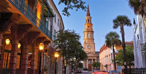 The 2021 Charleston SC Visitors Guide to: Eat, Stay & Play