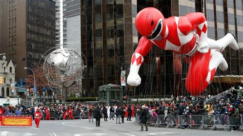 expect   thanksgiving day parade lancers point