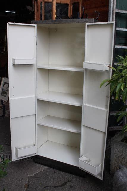meuble de rangement m 233 tallique d 233 cap 233 et poli design industriel puces d oc