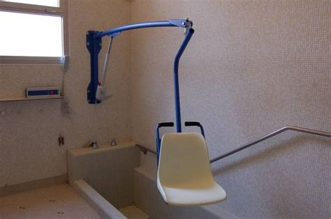 bluone f130 swimming pool lift dolphin mobility ltd