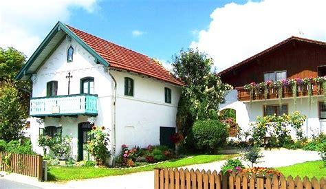 Häuser Kaufen Bayern by Haus Im Bayrischen Stil Typisches Haus In Bayern