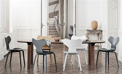 chaise grand prix jacobsen grand prix chair with wood legs hivemodern com