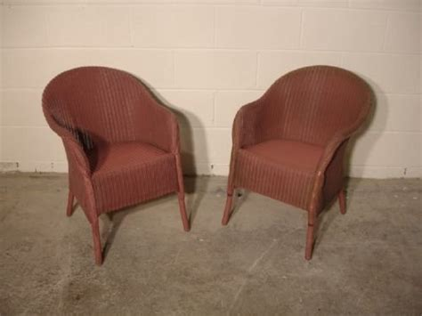 pair of pink lloyd loom chairs 96758 sellingantiques co uk