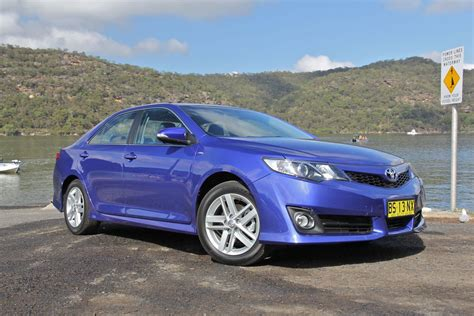 Review Toyota Camry by Toyota Camry Review Caradvice