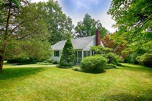 54 Hull Road Bernardsville NJ, Twin Lakes Home for Sale