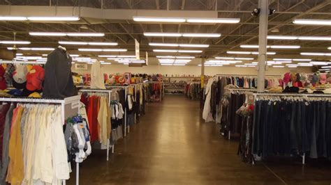 thrift store  pittsburgh red white blue thrift