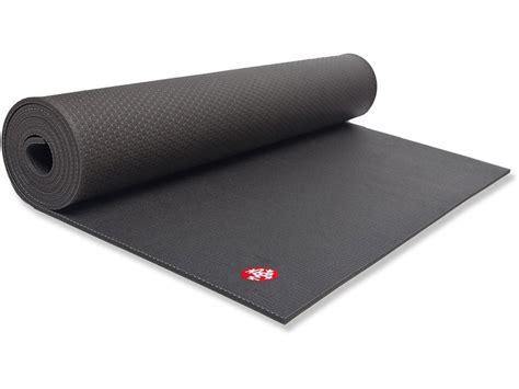 manduka black mat pro lululemon big mat vs manduka black mat pro legallyfit