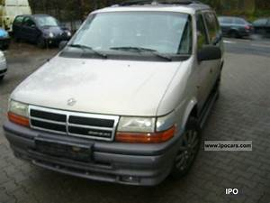 Batterie Chrysler Voyager 2 5 Td : 1996 chrysler voyager 2 5 td le 7 seater air car photo and specs ~ Gottalentnigeria.com Avis de Voitures