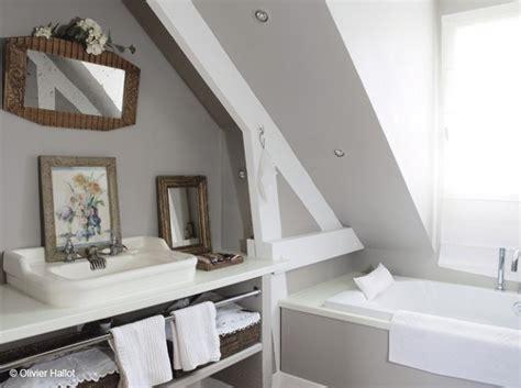 la salle de bain astrid veillon d 233 co salle de bain sous comble