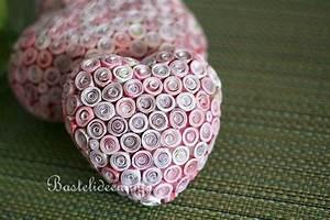 Herz Aus Papier Basteln : basteln mit papier quilling technik herzen ~ Lizthompson.info Haus und Dekorationen
