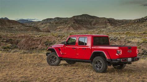 jeep gladiator  wrangler  pickup trucks ruled  la auto show roadshow