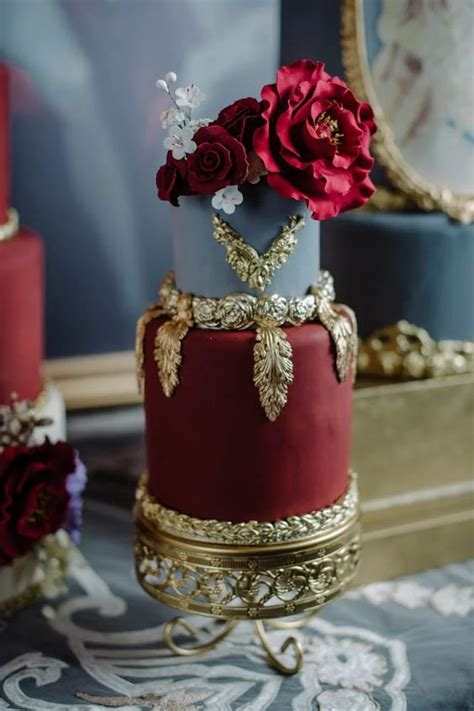 top  luxury vintage baroque wedding cakes roses rings