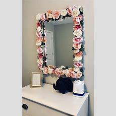 Diy Flower Mirror! Instagram @jayloandstitch  Village Home Decoration In 2019  Bedroom Decor