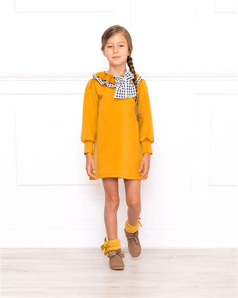 Outfit Vestido Neopreno Mostaza - Outfits | Missbaby