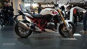 Essai Bmw R1200r 2015 : 2015 bmw r1200r promises to be a very comfortable naked bike at eicma live photos autoevolution ~ Medecine-chirurgie-esthetiques.com Avis de Voitures