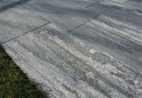 terrassenplatten 80x40 preis terrassenplatten gneis biasca satiniert naturstein