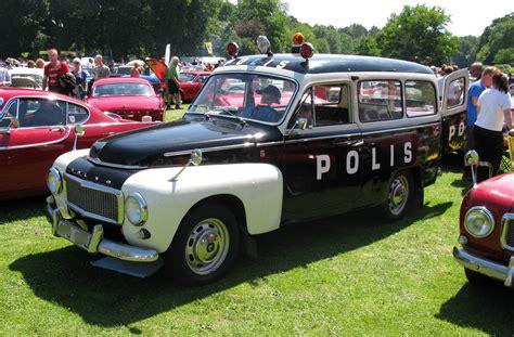 File:Volvo Duett Police.jpg - Wikimedia Commons