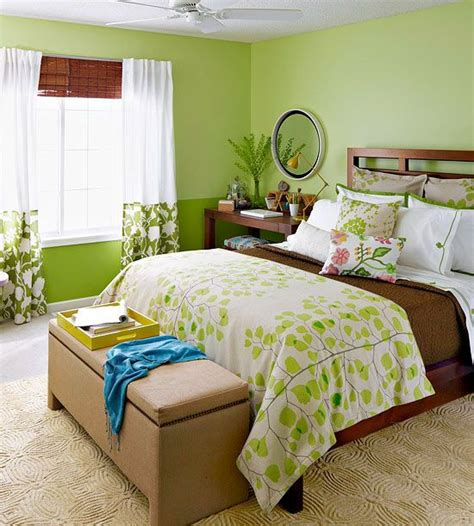 Bedroom Decorating Ideas Using Green by A Bedroom Makeover In Green Majestic Master Bedrooms