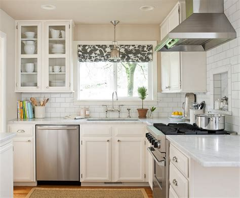 Kitchen Rug Ideas - black and white kitchens and their elements