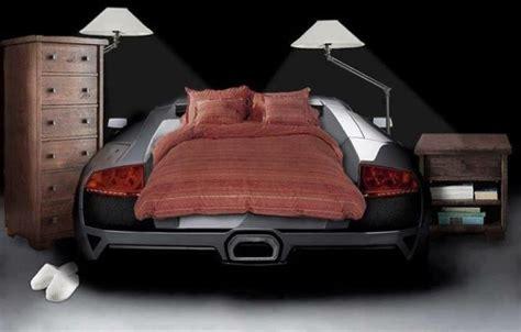 tapis chambre gar n voiture le lit voiture pour la chambre de votre enfant archzine fr