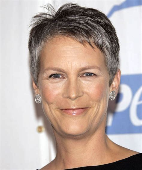 jamie lee curtis casual short straight hairstyle