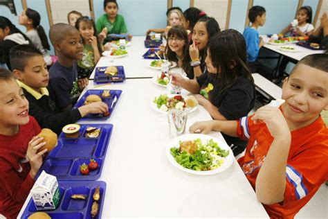 How Much Do School Lunch Make by What Difference Does A Healthy School Lunch Make The