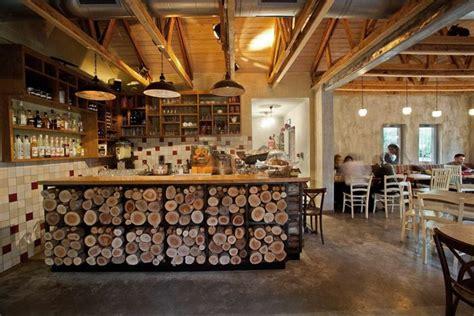decoracion rustica de  cafe restaurante mostrador de