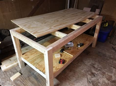 How to build a woodworking workbench and tablesaw outfeed
