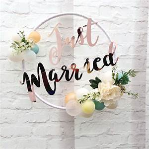 Just Married Balloon Hoop – Think Bubble Party Studios